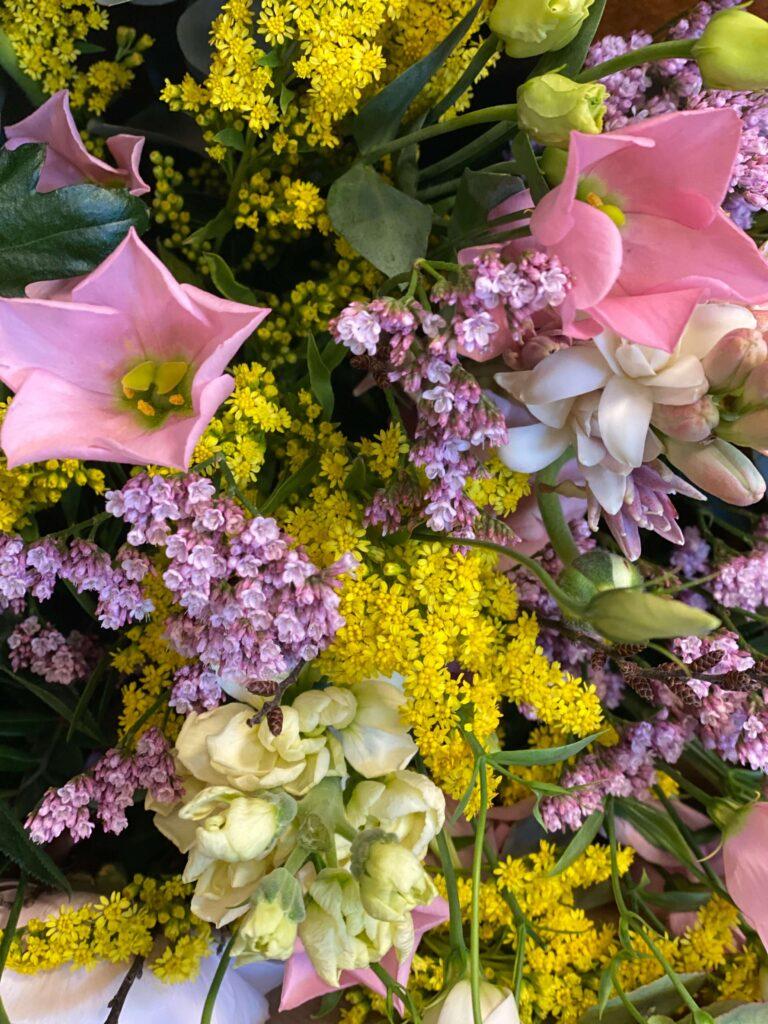 Masielas Blomster grøftkants buketter